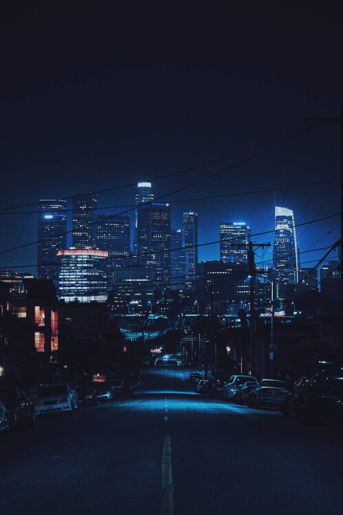 Beautiful, high-res smartphone wallpapers, perfect for your Pixel 2, iPhone X, Note 8, Galaxy S8, LG V30, and many others
