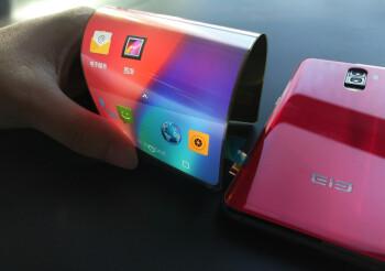 Elephone's plastic AMOLED screen