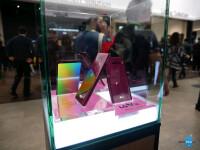LG-V30-in-Raspberry-Gold-hands-on-5-of-26