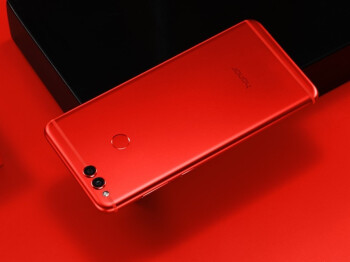 Honor 7X in Red