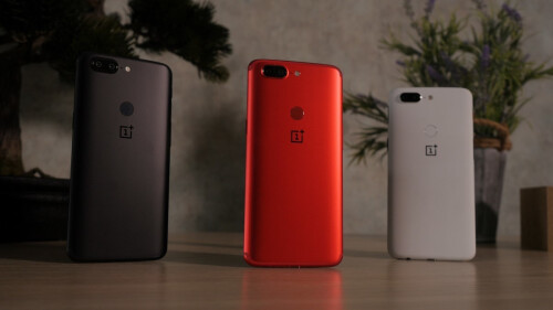 Lava Red OnePlus 5T unboxing and first look
