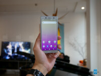 Sony-Xperia-XZ2-Compact-hands-on-4-of-43.jpg
