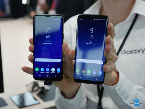 Samsung Galaxy S9, left, vs Galaxy S8, right