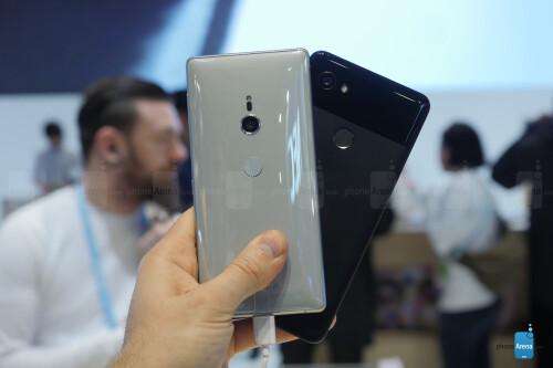 Sony Xperia XZ2 vs Google Pixel 2 XL: first look