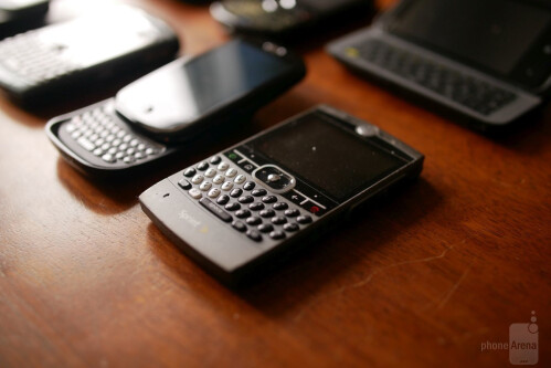 10 phones with terribly designed physical keyboards