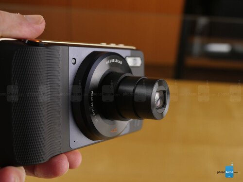 Motorola Hasselblad True Zoom Camera – August 2016