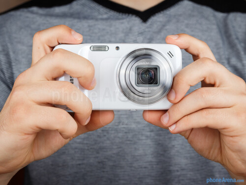 Samsung Galaxy S4 Zoom – July 2013