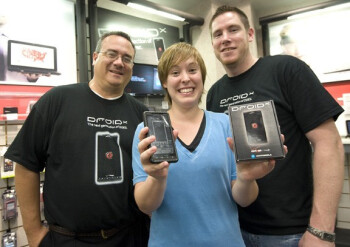 UPDATED: Verizon stores (and on-line) already sold out of the Motorola DROID X o