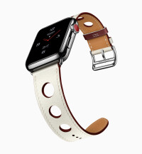 Apple-Watch-Series3Hermes-single-tour032118.jpg