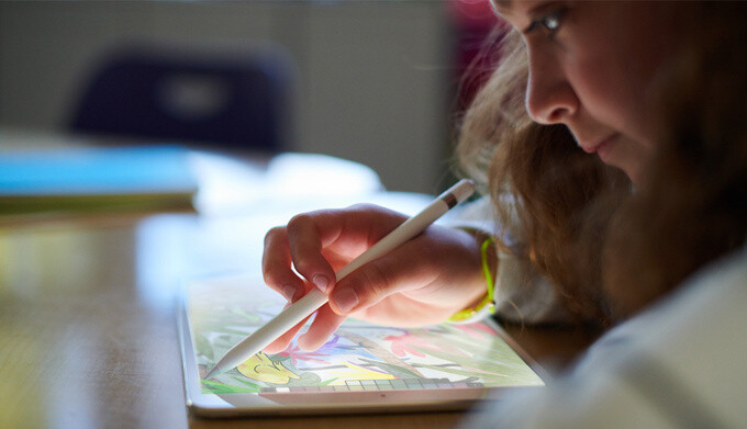 The new 9.7-inch iPad works with the Apple Pencil - New 9.7-inch iPad vs iPad Pro and the old 9.7-inch iPad: what's different, anyway?