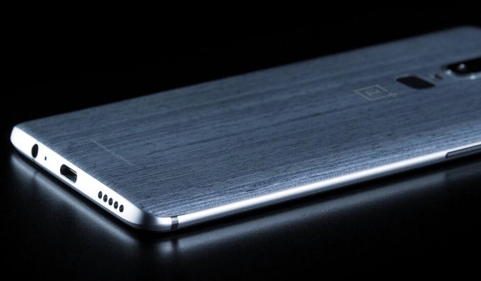 New OnePlus 6 leak reveals 3.5mm jack, interesting rear