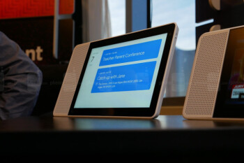 Lenovo showed its smart display with integrated Google Assistant at CES 2018