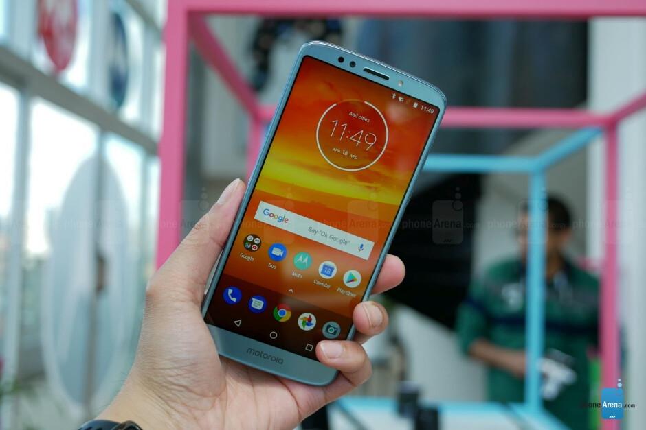 Moto E5 Play and Moto E5 Plus. - Motorola Moto E5 Plus & E5 Play hands-on
