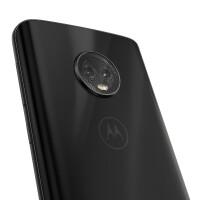motoG6-NA-black-Camera-Detail