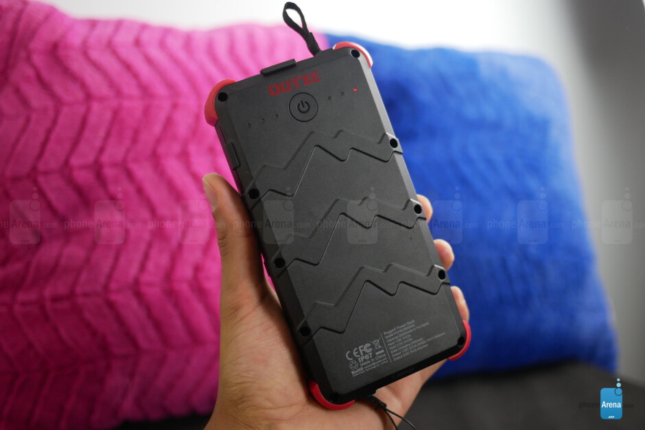 The most well-equipped powerbank? OUTXE Savage Rugged Charger hands-on