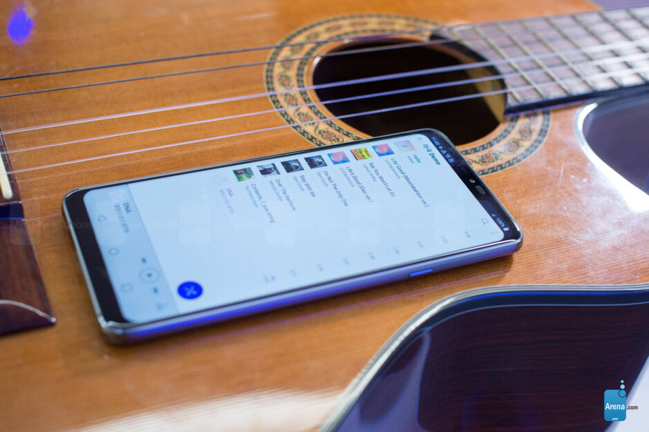 As if by magic, the LG G7 ThinQ sounds much louder when placed on a flat surface - LG G7 ThinQ Preview: I spent two days with LG's best phone yet