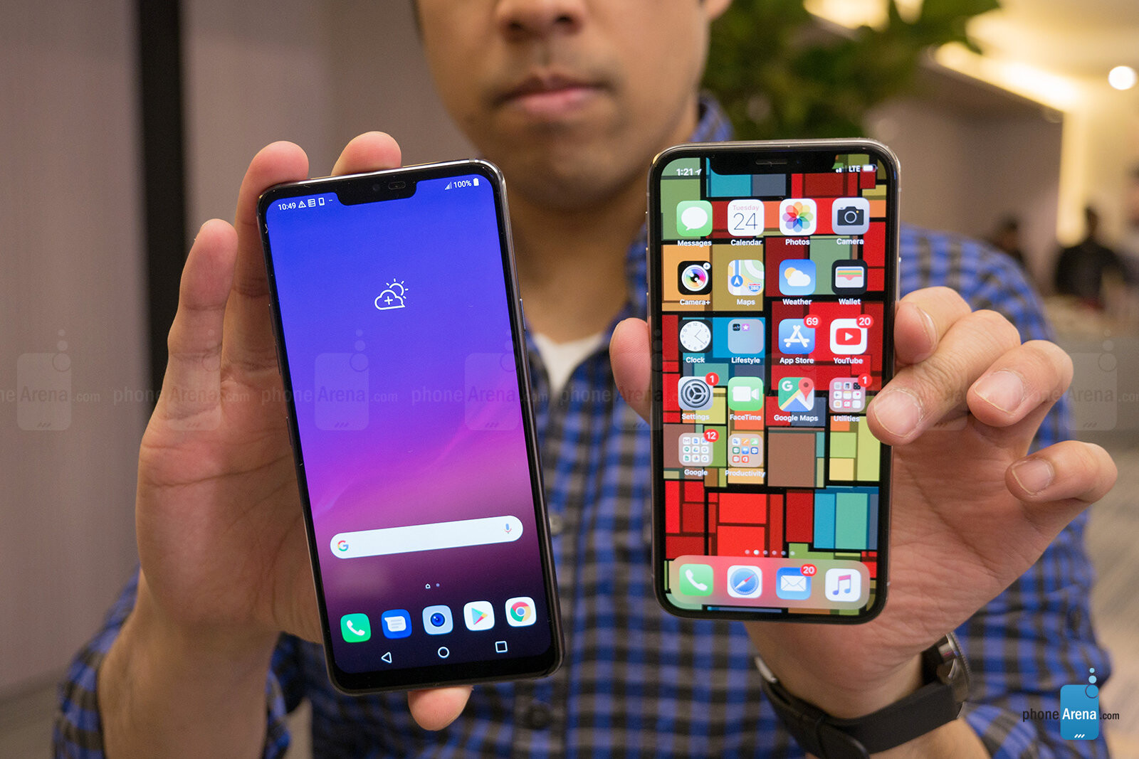 LG G7 ThinQ vs Apple iPhone X: first look | PhoneArena