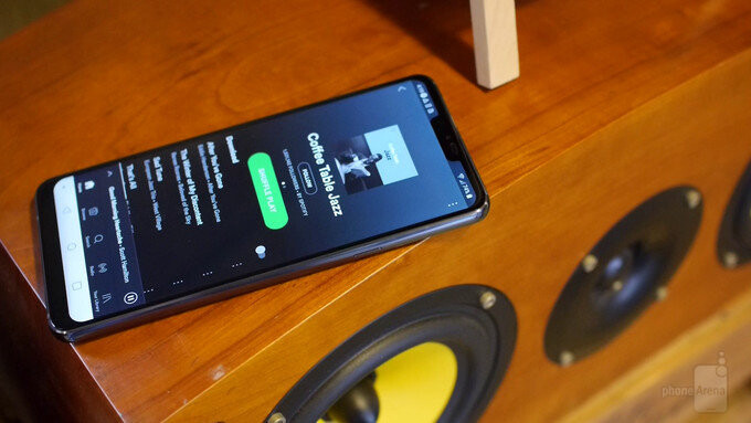 The LG G7 sound louder when placed on a flat surface - LG G7 Boombox Speaker explained: louder sound through clever design