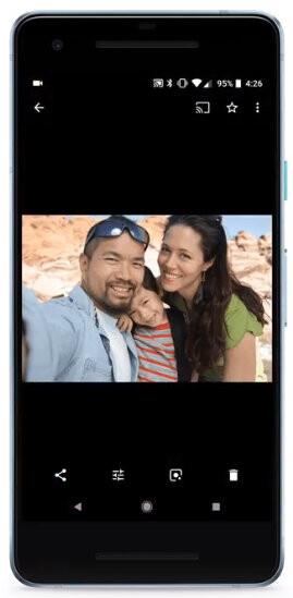 Google Photos' new Favorite button - Google Photos update adds option to bookmark favorite photos