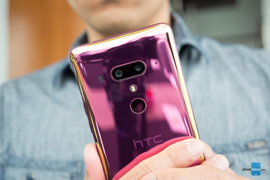 HTC U12+ hands-on: beauty is power
