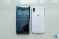 HTC-U12-Plus-vs-iPhone-X-2.jpg