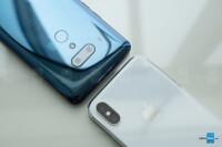 HTC-U12-Plus-vs-iPhone-X-4.jpg