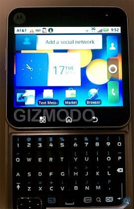 Motorola Flipout gets pictured running on AT&T