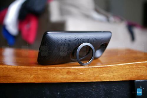 Motorola Stereo Speaker Moto Mod hands-on