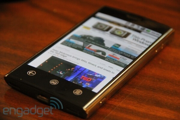 Dell Thunder Android-running prototypes get the hands-on, casing looks great and the specs are Snapdragon