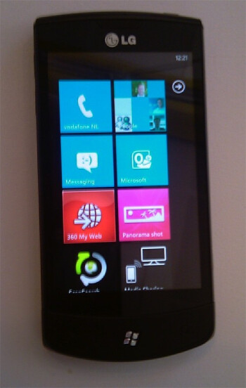 Video of Windows Phone 7 in action and a true image of the LG E900 surface