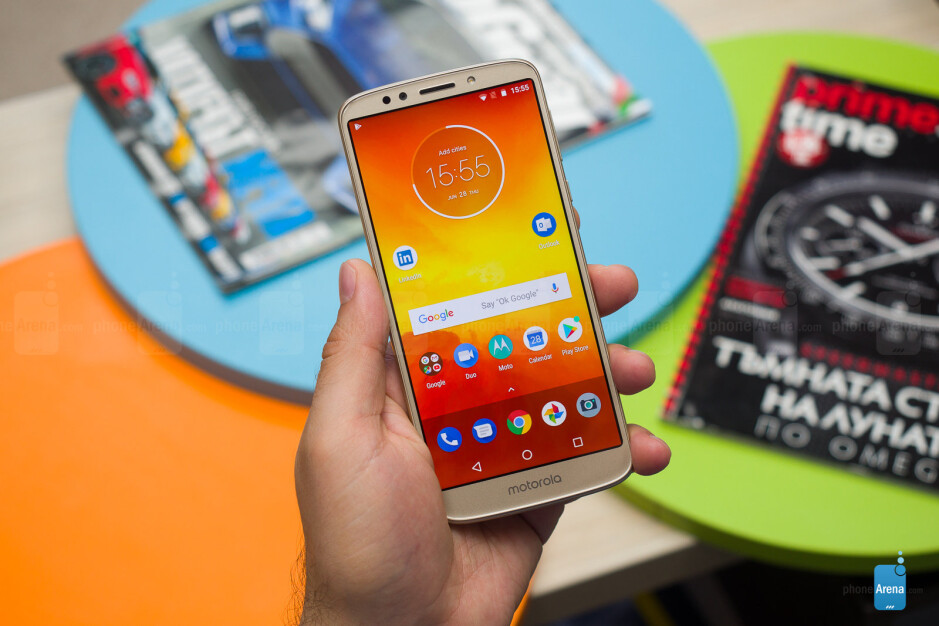 Moto E5 hands-on: big battery and clean Android on the cheap
