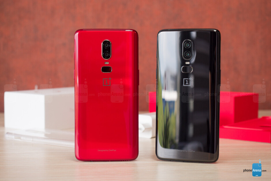 Red OnePlus 6: unboxing and hands-on