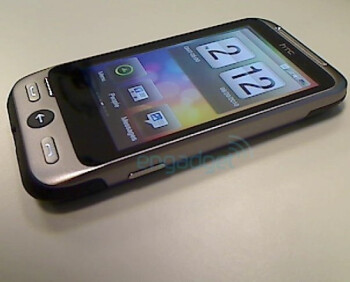 Pictures of an AT&T-bound HTC F8181 with the Brew mobile platform surface