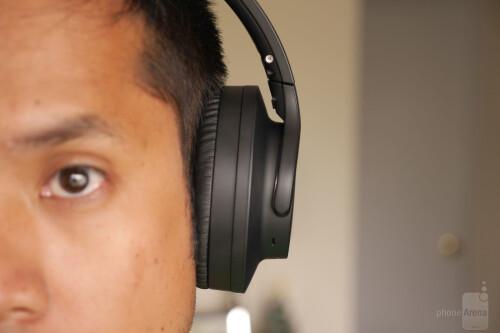 e3ac91cd496 Audio-Technica ATH-ANC700BT headphones hands-on: $200 of bass ...
