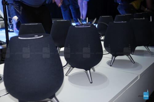 Samsung Galaxy Home Speaker first look