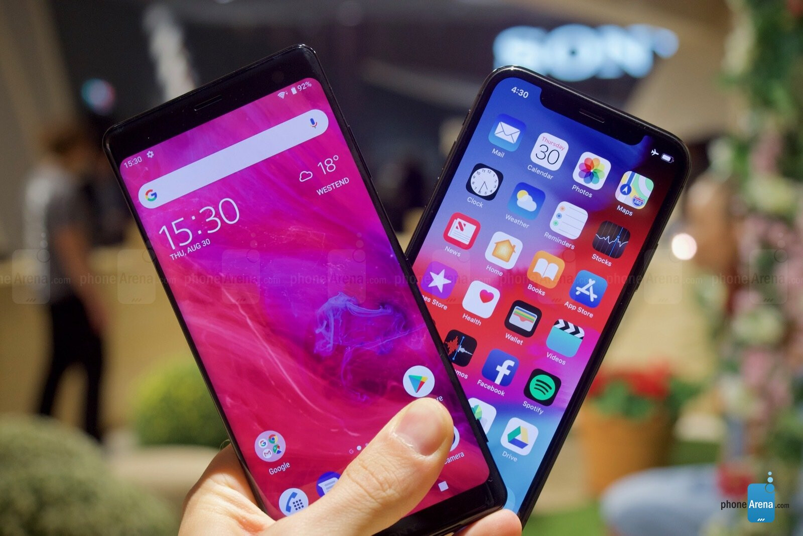 $900 Xperia XZ3 vs $1000 iPhone X: can you afford these babies