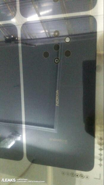 Benarkan ini Foto Nokia 9? Kameranya Ada Lima