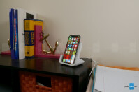 Logitech-POWERED-Wireless-Charging-Stand-2-of-8