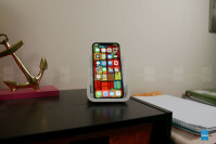 Logitech-POWERED-Wireless-Charging-Stand-3-of-8