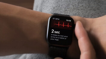 The electrical heart rate sensor on Apple Watch Series 4 lets you take an ECG