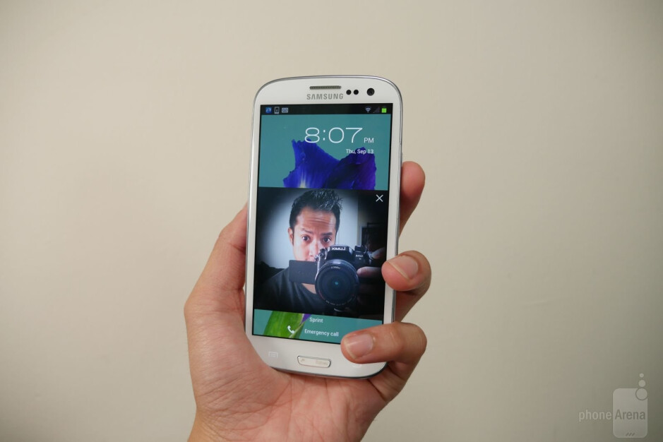 Hey, we had face unlock back in 2012. Too bad it was easily fooled! - Most useless software features in Samsung's past smartphones
