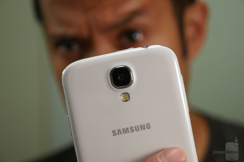 Ugh, just stop staring intently on our eyes. We know big brother is watching already! - Most useless software features in Samsung's past smartphones