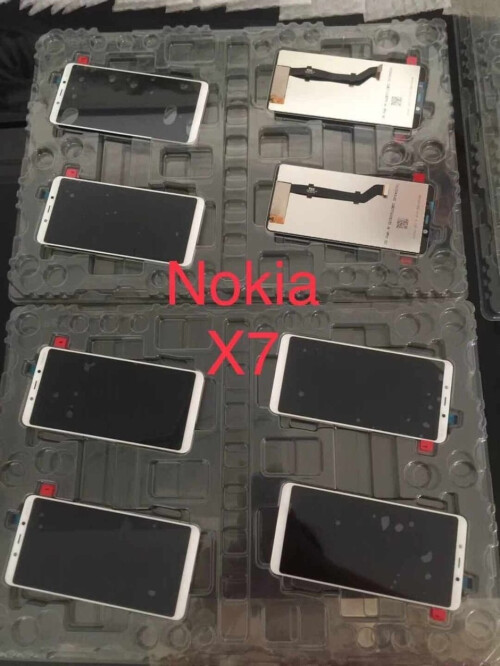 Nokia 9 and Nokia X7 display panels
