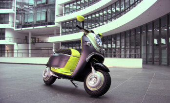 BMW scooter integrates your iPhone