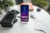 LG-V40-ThinQ-Unboxing-and-Hands-on001