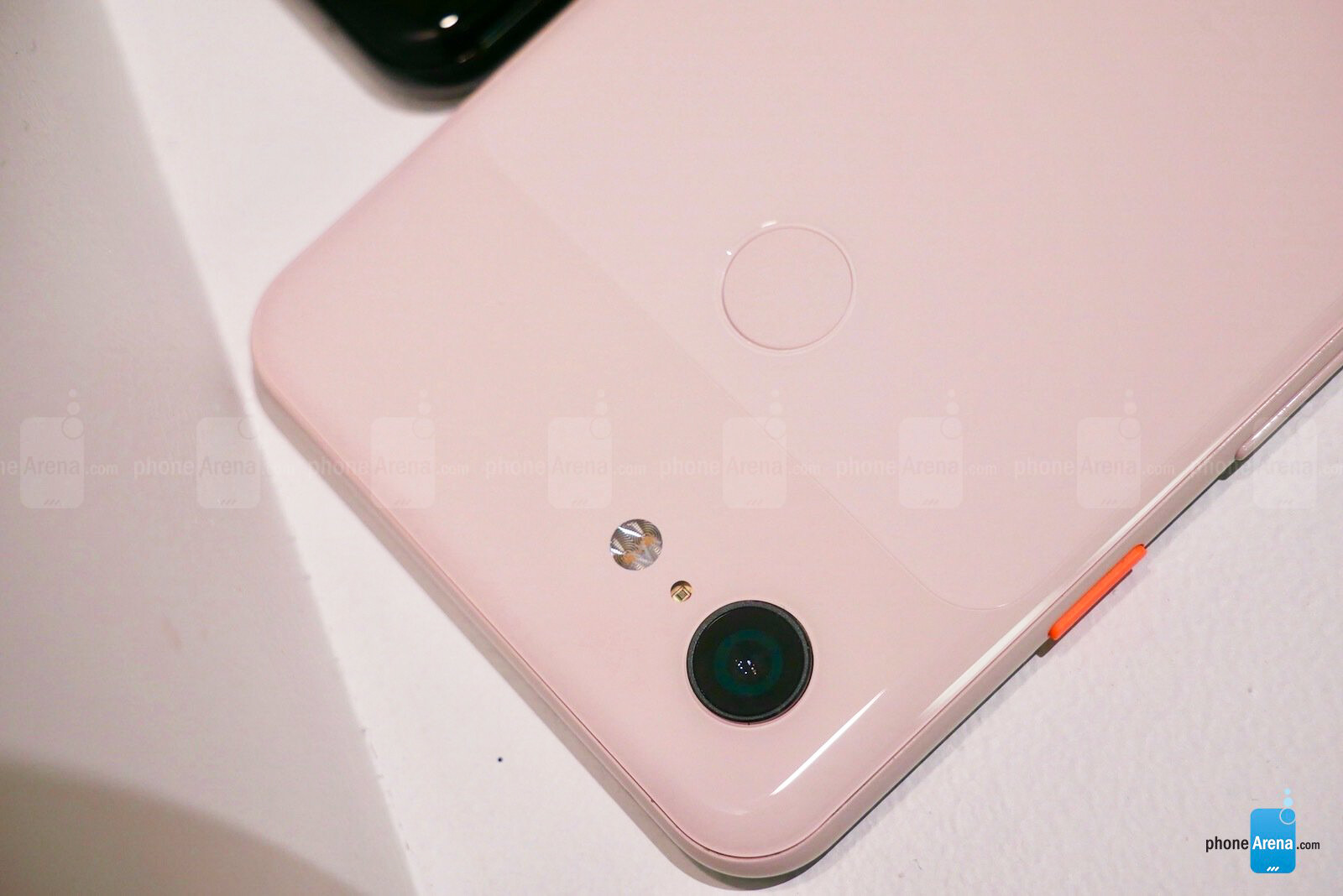 Google Pixel 3 and Pixel 3 XL Hands-On | PhoneArena reviews