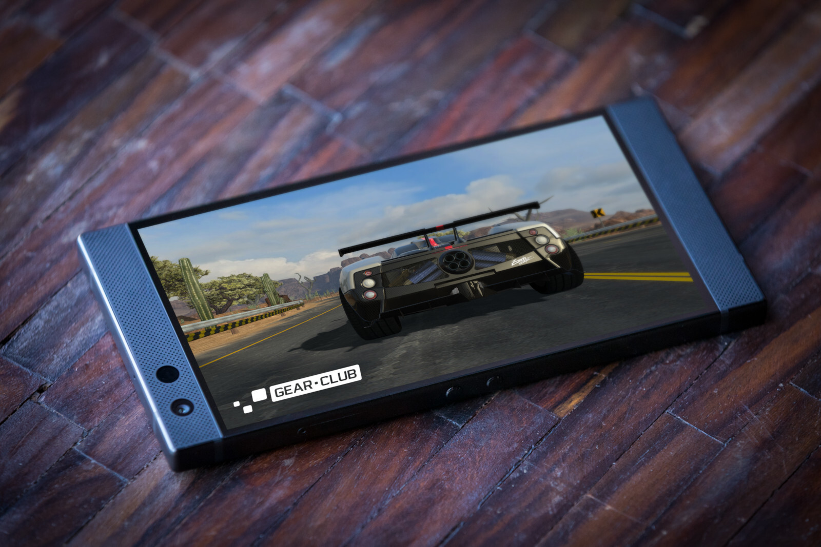 http://i-cdn.phonearena.com//images/articles/333267-image/razer-phone-2-1.jpg