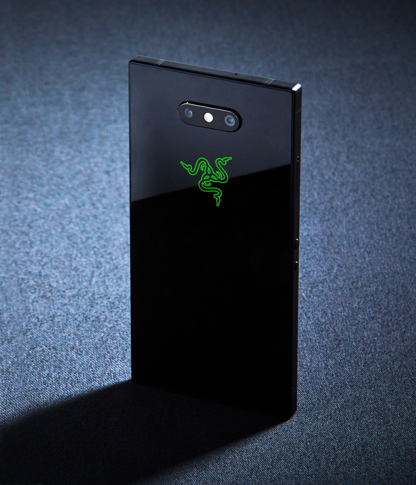 http://i-cdn.phonearena.com//images/articles/333269-image/razer-phone-2-3.jpg