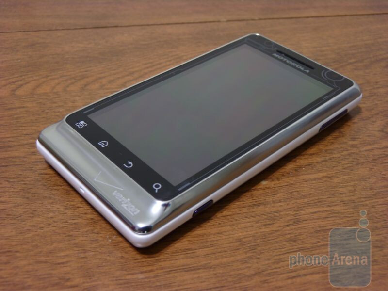 Motorola DROID R2-D2 Special Edition Hands-on   PhoneArena reviews