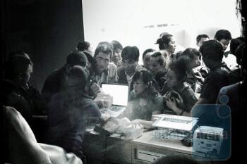 Apple store in Beijing was shut down due to scalpers